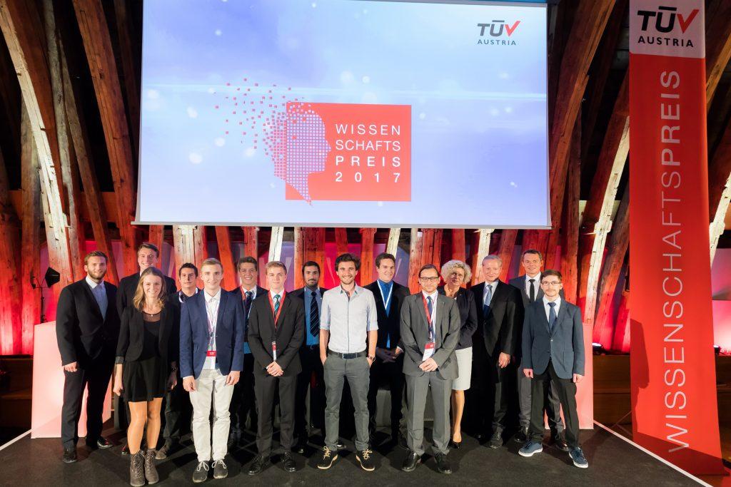 T†V AUSTRIA prŠmierte zum sechsten Mal innovative, kreative und nachhaltige Projekte von …sterreichs Ingenieurnachwuchs mit dem T†V AUSTRIA Wissenschaftspreis und baut mit der Initiative ãNext HorizonÒ seine Next-Generation-AktivitŠten aus.