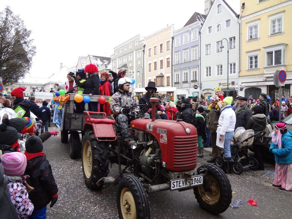 1486651240_Faschingsumzug_BR_Stadtplatz